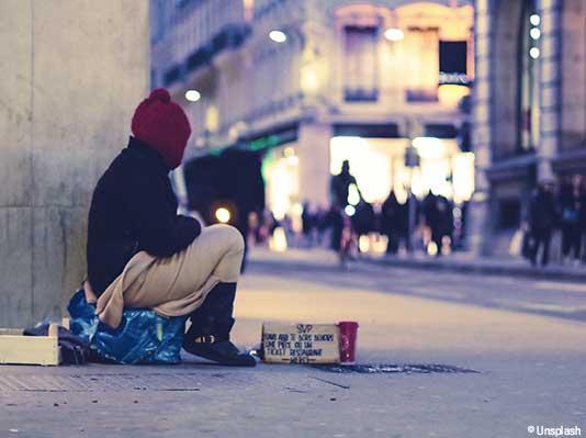 Un nuovo sostegno per le persone senzatetto e socialmente escluse in Svizzera